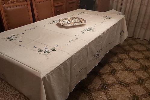 Tischdecke mit Blumen