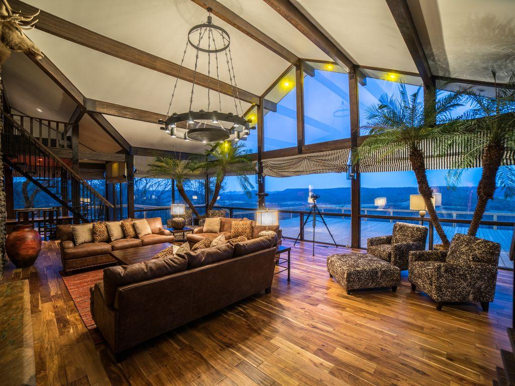 Deck House Family Room