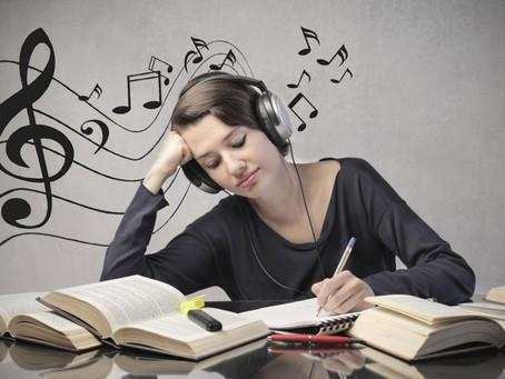 Só se for com música