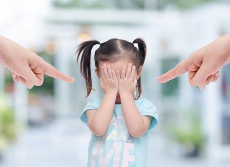 Os gritos causam danos ao cérebro infantil