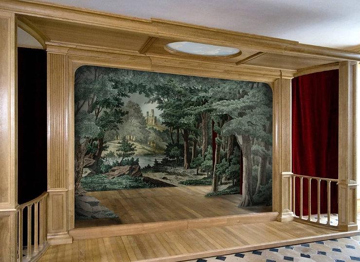 Théâtre privé démontable réalisé en chêne massif