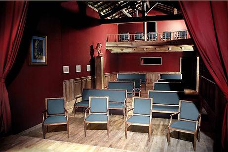 Théâtre privé réalisé dans une ancienne dépendance