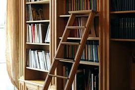 choisir entre une bibliothèque intégrée ou un meuble indépendant
