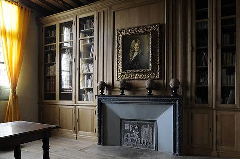 bibliothèque sur mesure du musée Jean de La Fontaine