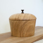 This is a beautful, large oak box with a cocbolo tip