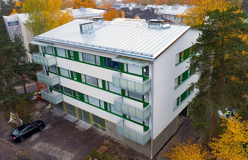 Helsinki, Kylätie 2, parvekkeiden uusinnat