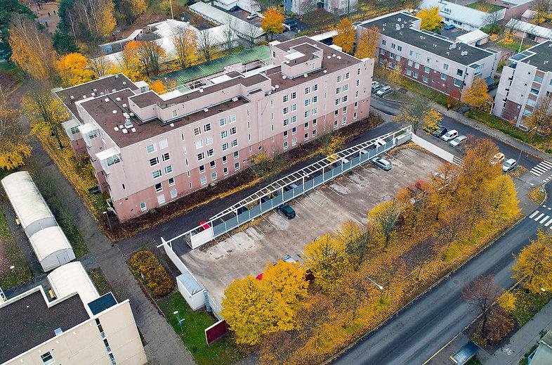 Helsinki, Leikosaarenkuja 2, pysäköintikansi ja -halli