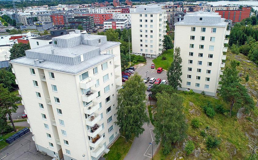 Helsinki, Hiihtäjäntie 4, julkisivujen huoltomaalaus