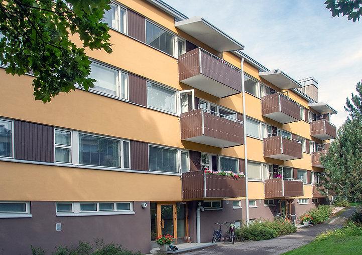 Helsinki, Ryytimaantie 9, parvekkeiden uusinnat