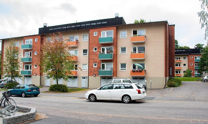 Helsinki, Roihuvuorentie 5-7-9, julkisivujen huoltomaalaus