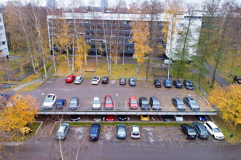 Helsinki, Sateenkaari 1-3, pysäköintikansi ja -halli