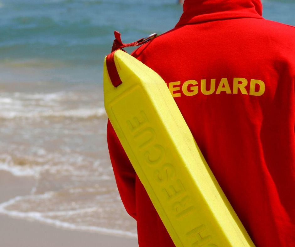 Servicio de Salvavidas / Lifeguard