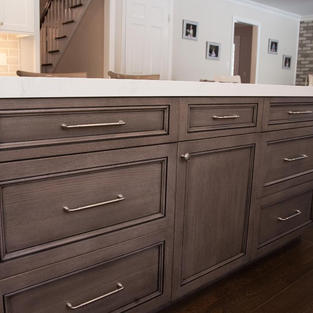 Stained and Glazed Oak Island, Hew S Grabill Cabinetry