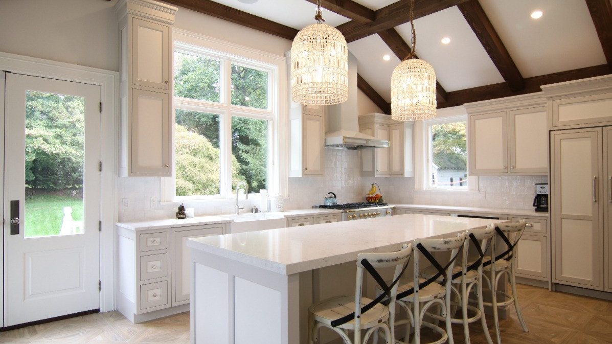 Grabill Cabinetry, Custom Finish w/ Two Toned Cabinets