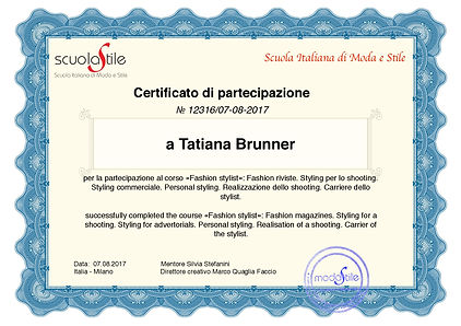 Tatiana Brunner - FreelanceFashion- Personal- Stylist, Shopper in Zurich. Styling für Foto-Video-Shooting.