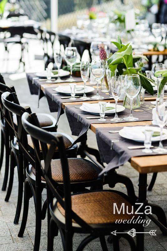 необычная сервировка гостевых столов