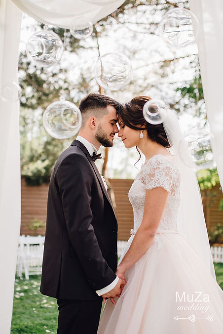 Организовать небольшую уютную свадьбу, свадебное агентство в Киеве MuZa-wedding, свадебный оргаизатор Киев, красивая трогательная свадебная церемония в ресторане Триплье, летняя терраса ресторана Триполье