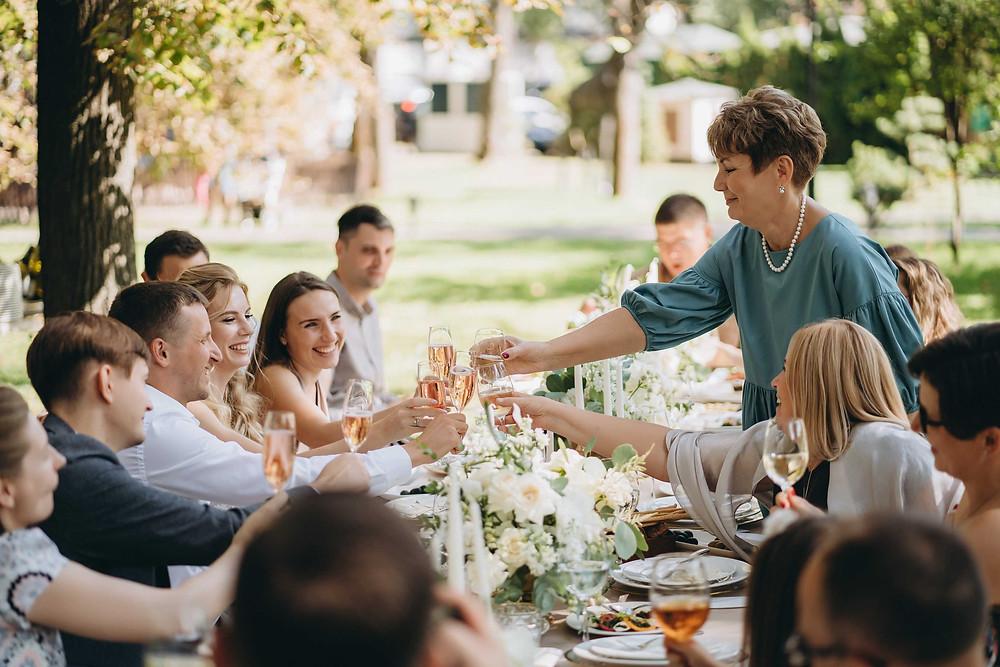 Камерные и микро-свадьбы - самый популярный формат свадеб 2020 - 2021. Свадебный обед в ресторане Прага, Киев