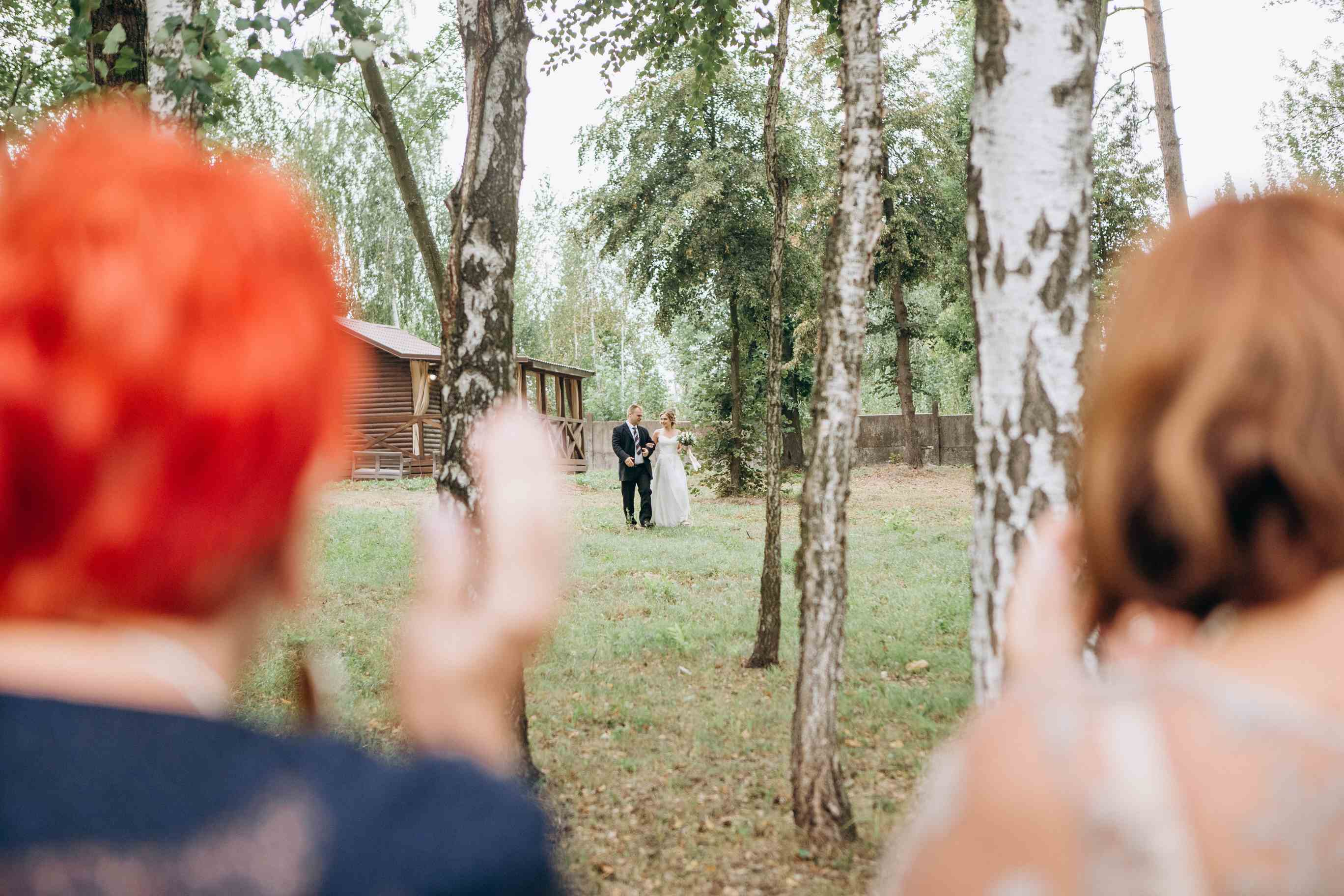 выход невесты с папой цеоемония