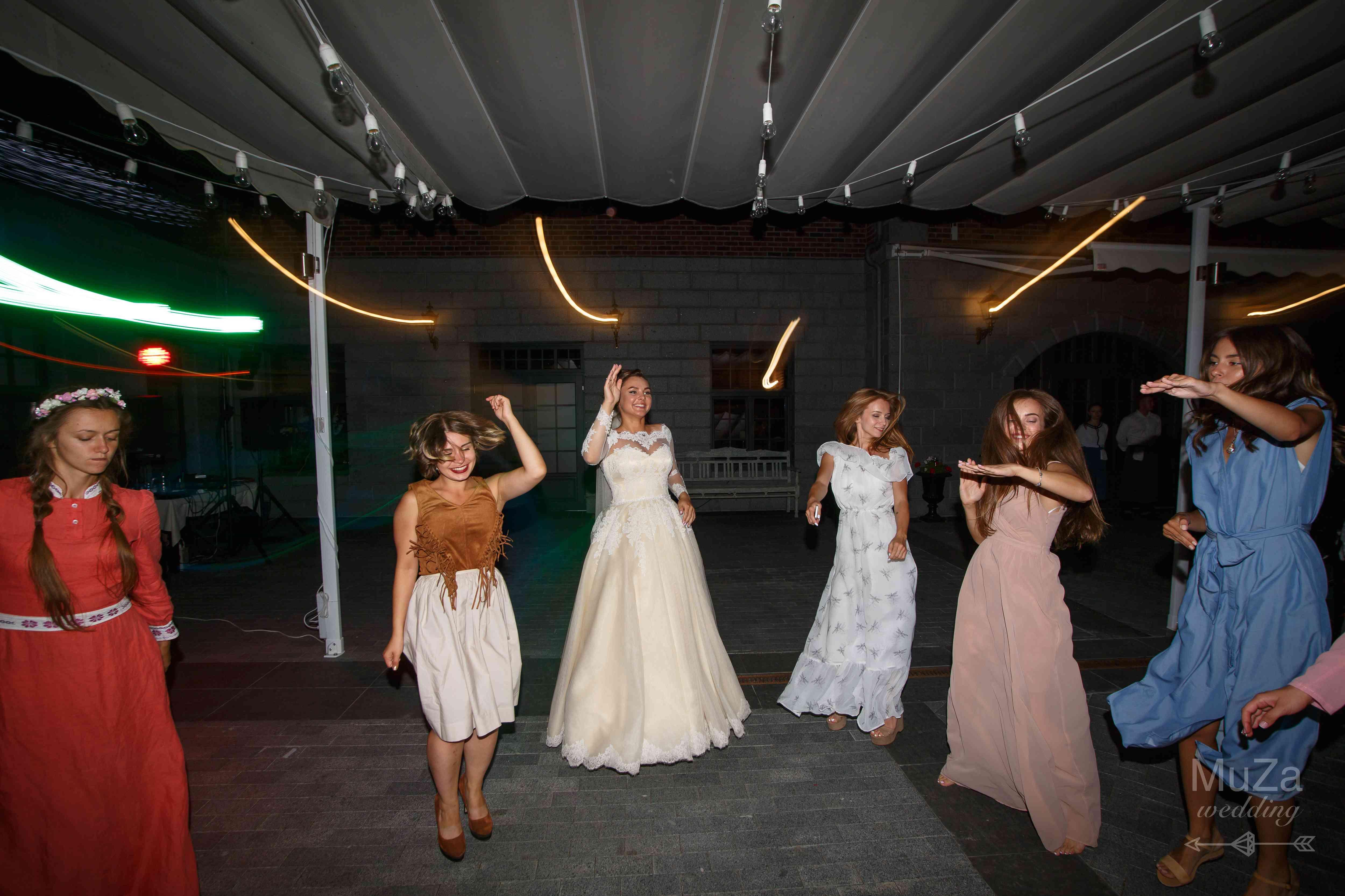 танцы, свадьба, девушки, веселье