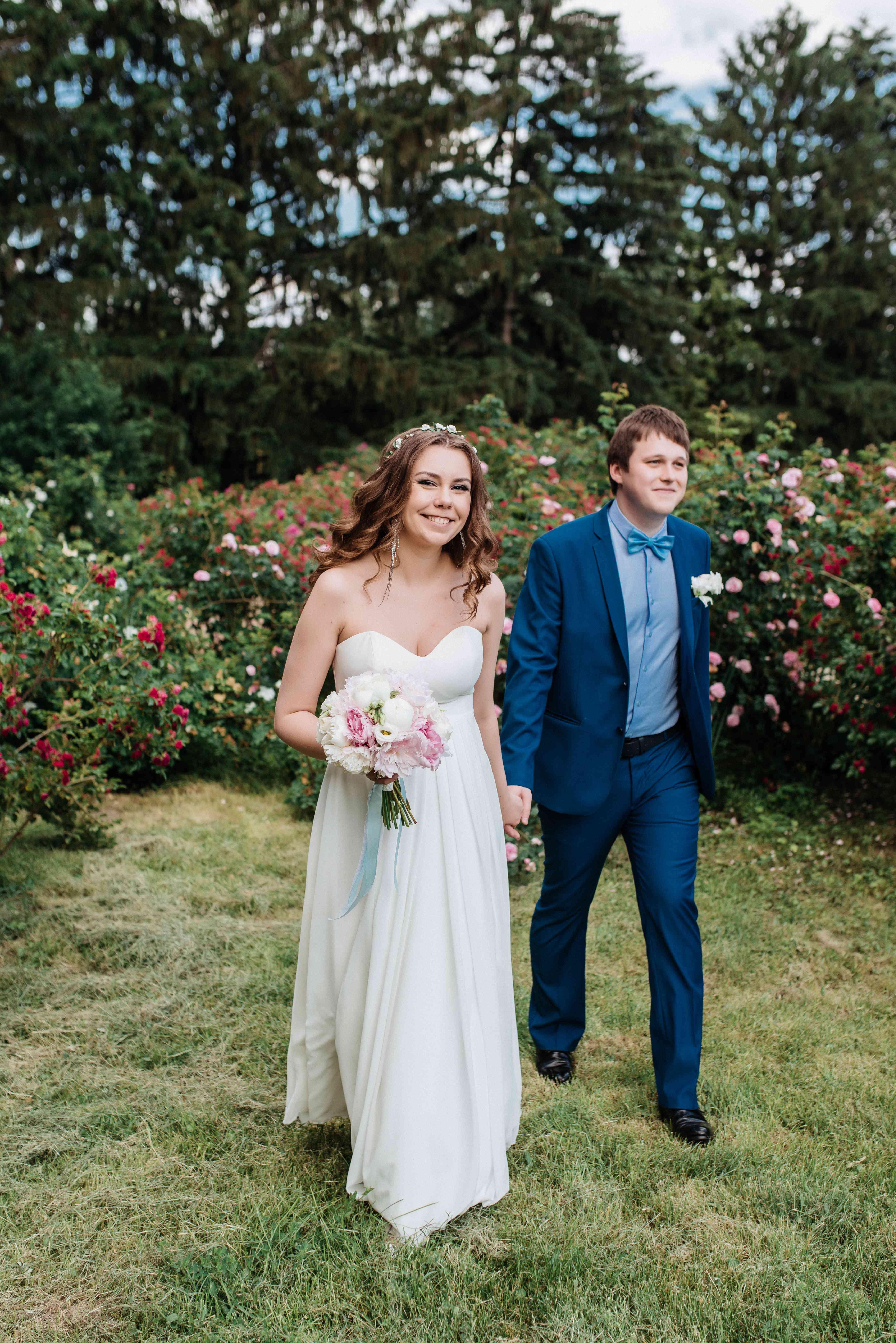свадебная прогулка в ботаническом
