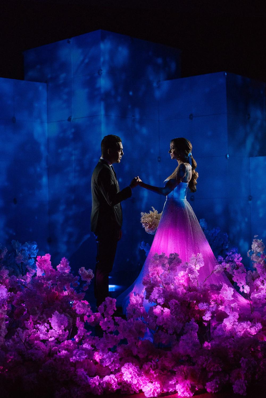 Видео проекции, лазерные и голографические шоу, кинетические инсталляции, светодиодные панели, стойки и подиумы - световые технологии на свадьбе