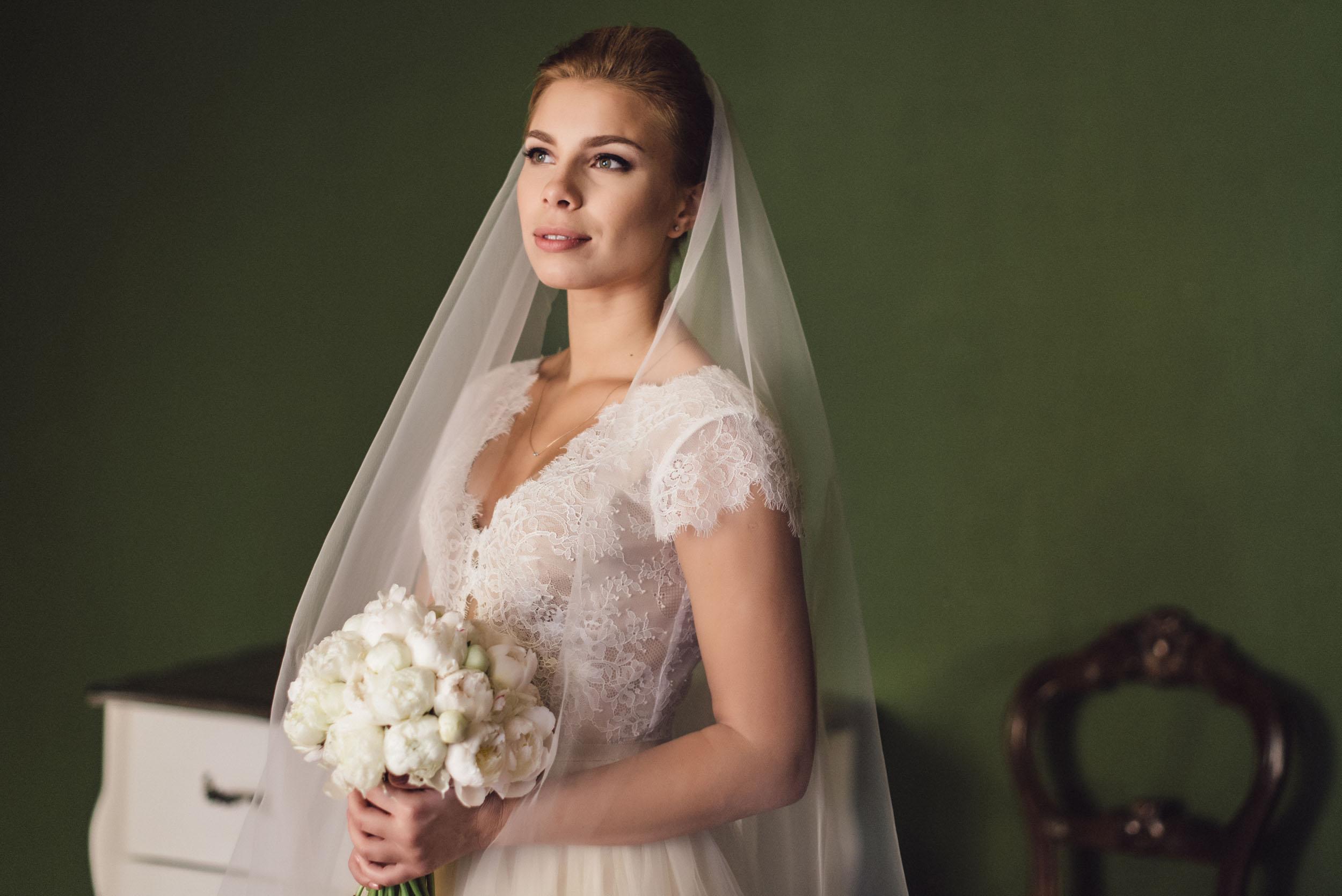 невеста, свадебное платье, букет