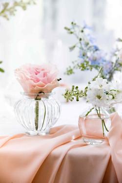 баночки (колбы) с цветами на свадьбе