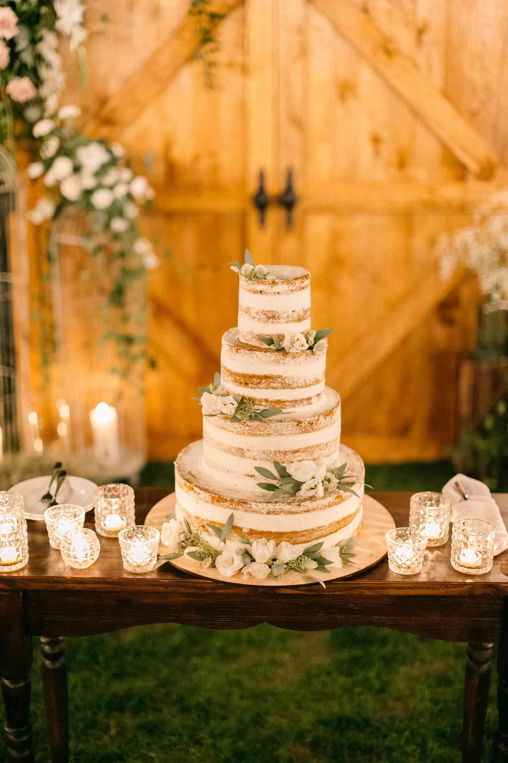 четырех ярусный торт голый свадьба