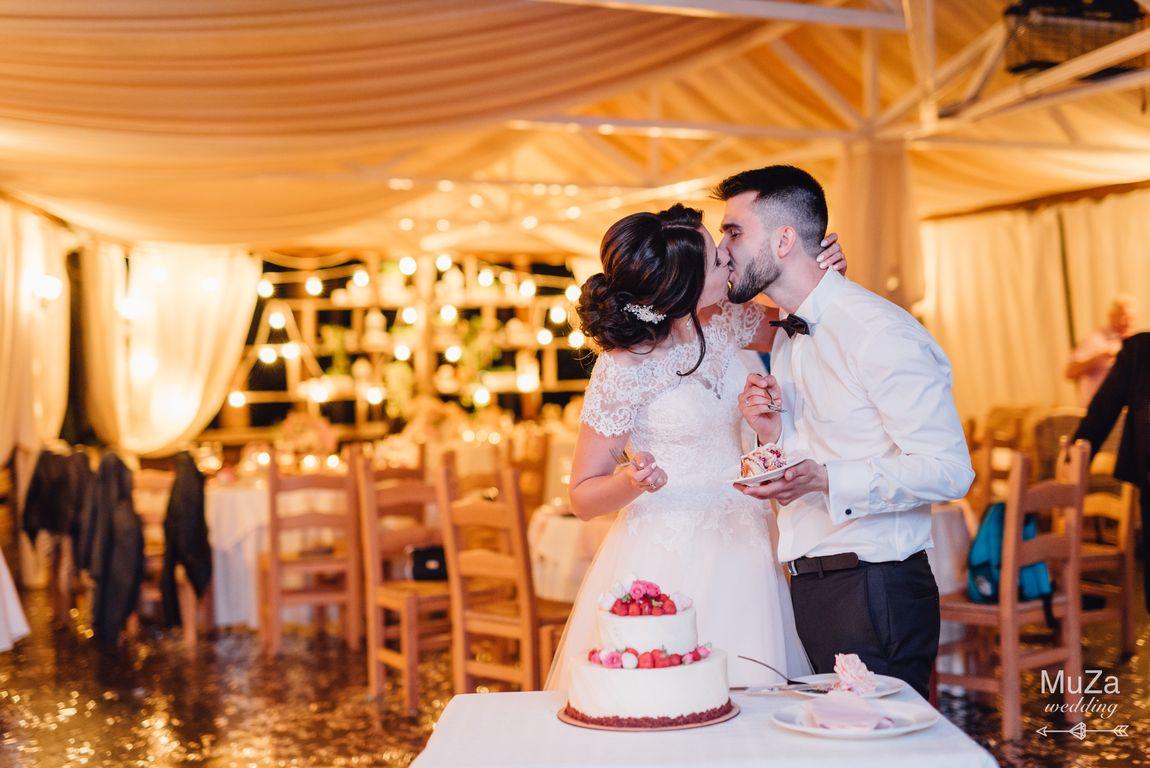торт на свадьбе, свадебное агентство