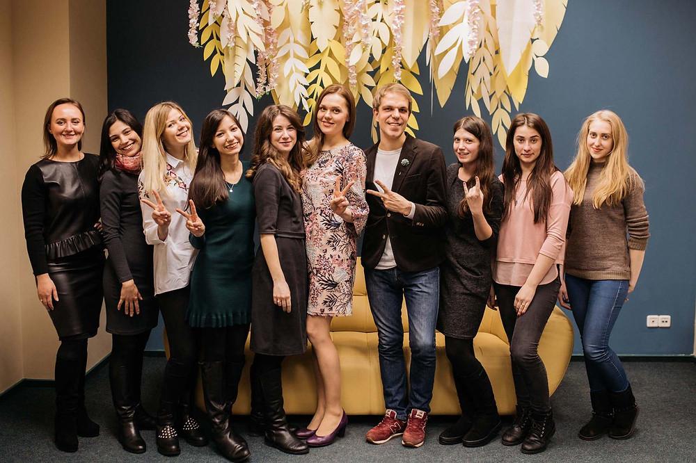 Общее фото, групповое фото учениц и преподавателей школы свадебных координаторов от свадебного агентства MUZA-wedding, Киев
