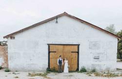 свадебное фото ангар рустик