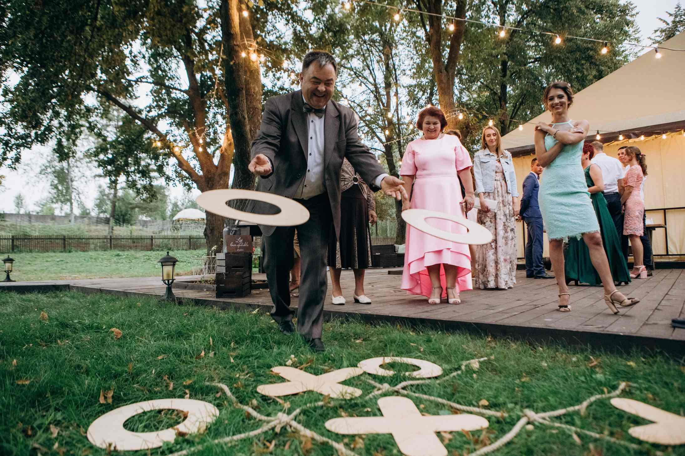 игровая зона крестики нолики свадьба
