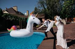 свадьба возле бассейна идеи