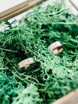 обручальные кольца коробочка мох