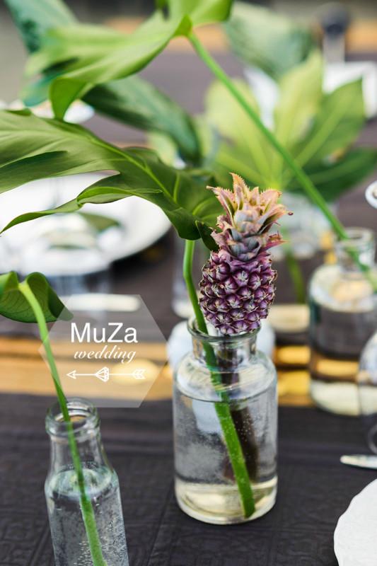 ананасик и листья монстеры - так просто и так изысканно, свадебный декор в стиле тропики, организация свадьбы - свадебное агентство MuZa-wedding