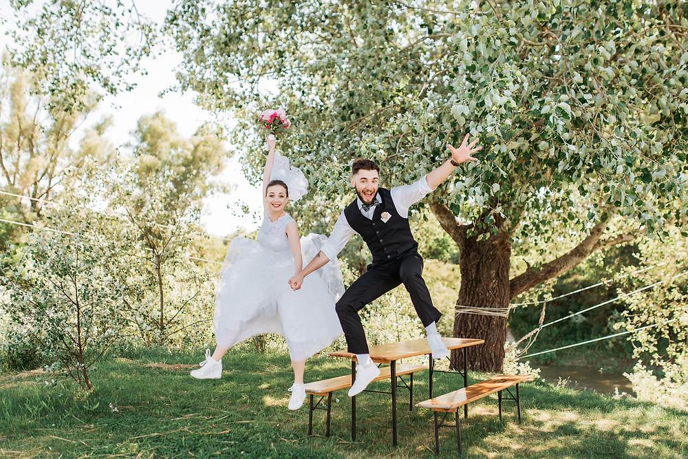 Зачем нужен свадебный координатор. Найти свадебного координатора в Киеве. Свадебный координатор - счастливые молодожены