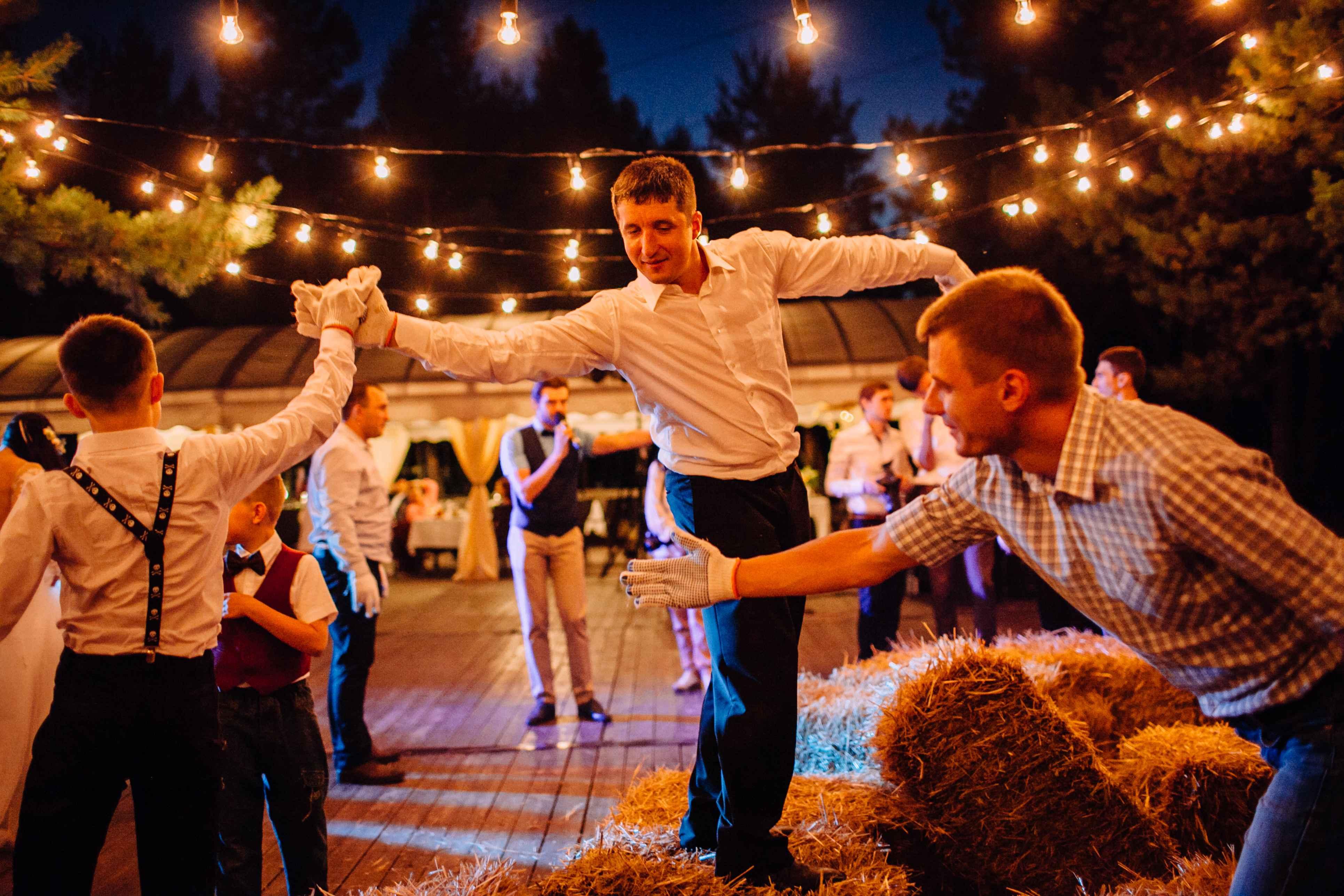 конкурсы на свадьбе гости