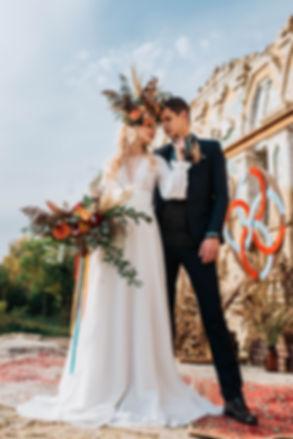 Самая красивая ночная вечерняя свадебная церемония для Александры и Артема при свете гирлянд, свечей, в окружении красивейшего декора и близких людей. Организация свадьбы: свадебное агентство в Киеве MuZa-wedding. Невеста - в самом красивом свадебном платье пудрового розового оттенка от ЕSPANA wedding dresses, букет - из розовой гортензии и пудровых роз девида остина