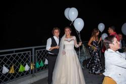 запуск светодиодных шаров на свадьбе