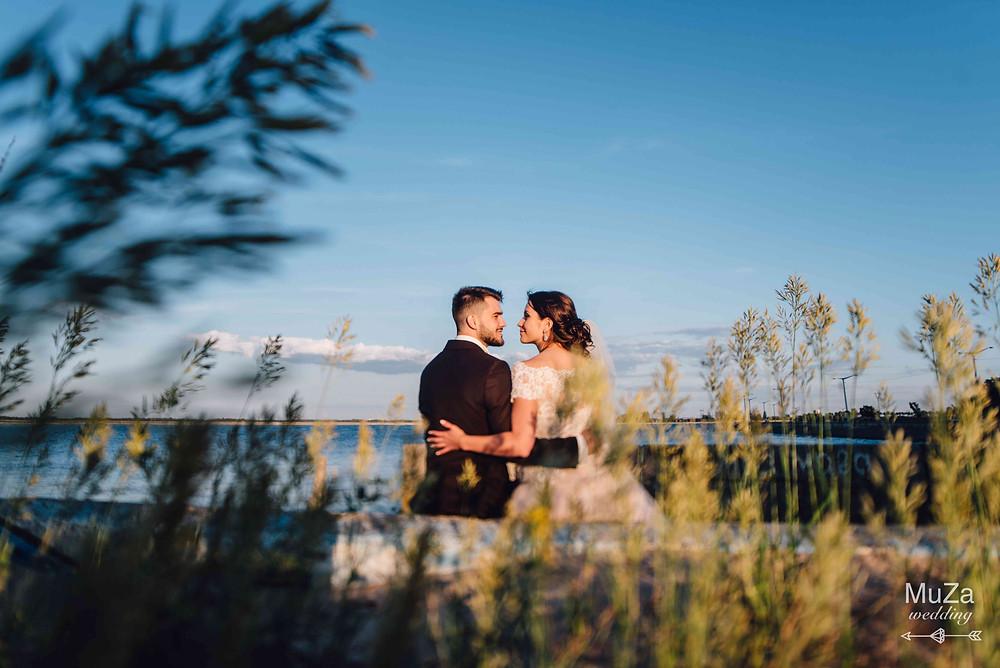 Юлия и Сергей - идеальная пара, искренне любящая друг друга и с трепетом относящаяся в друг другу. Пары соединяются на небесах. Браки совершаются на небесах.