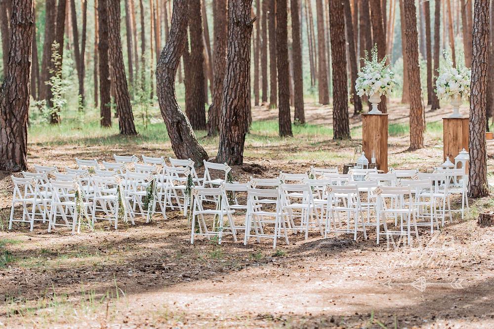 красивая свадебная церемония в лесу в мае под открытым небом от свадебного агентства в Киеве MuZa-wedding