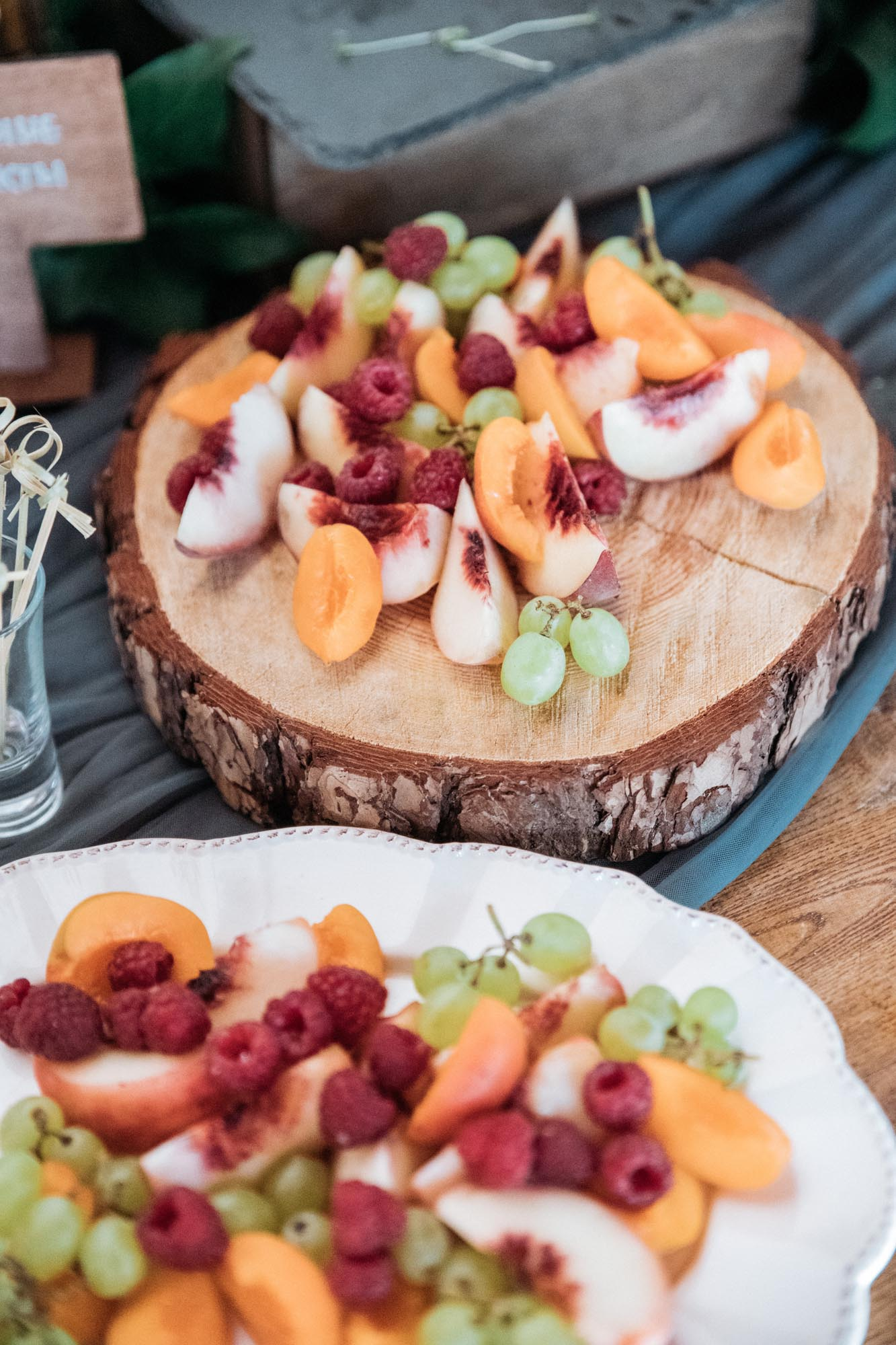 оригинальная подача фруктов свадьба