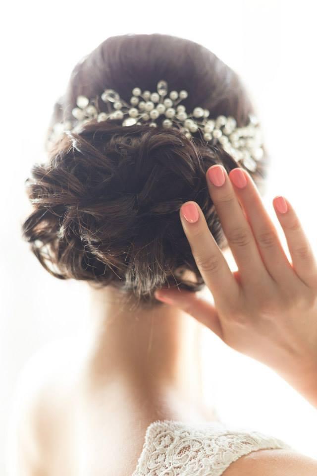 Почему свадебный макияж и свадебная прическа стоят дороже, чем вечерние