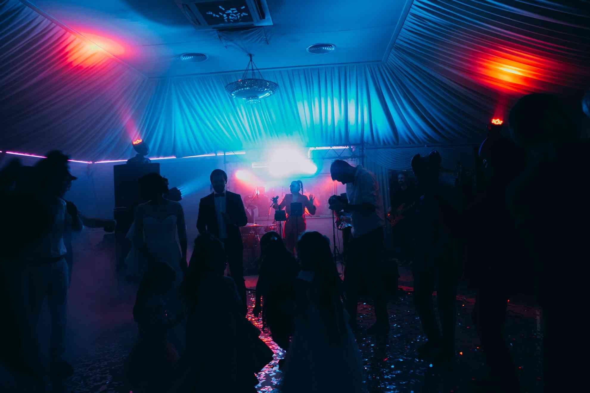 живое выступление группы на свадьбе