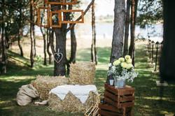 фотозона на свадьбе в стиле кантри