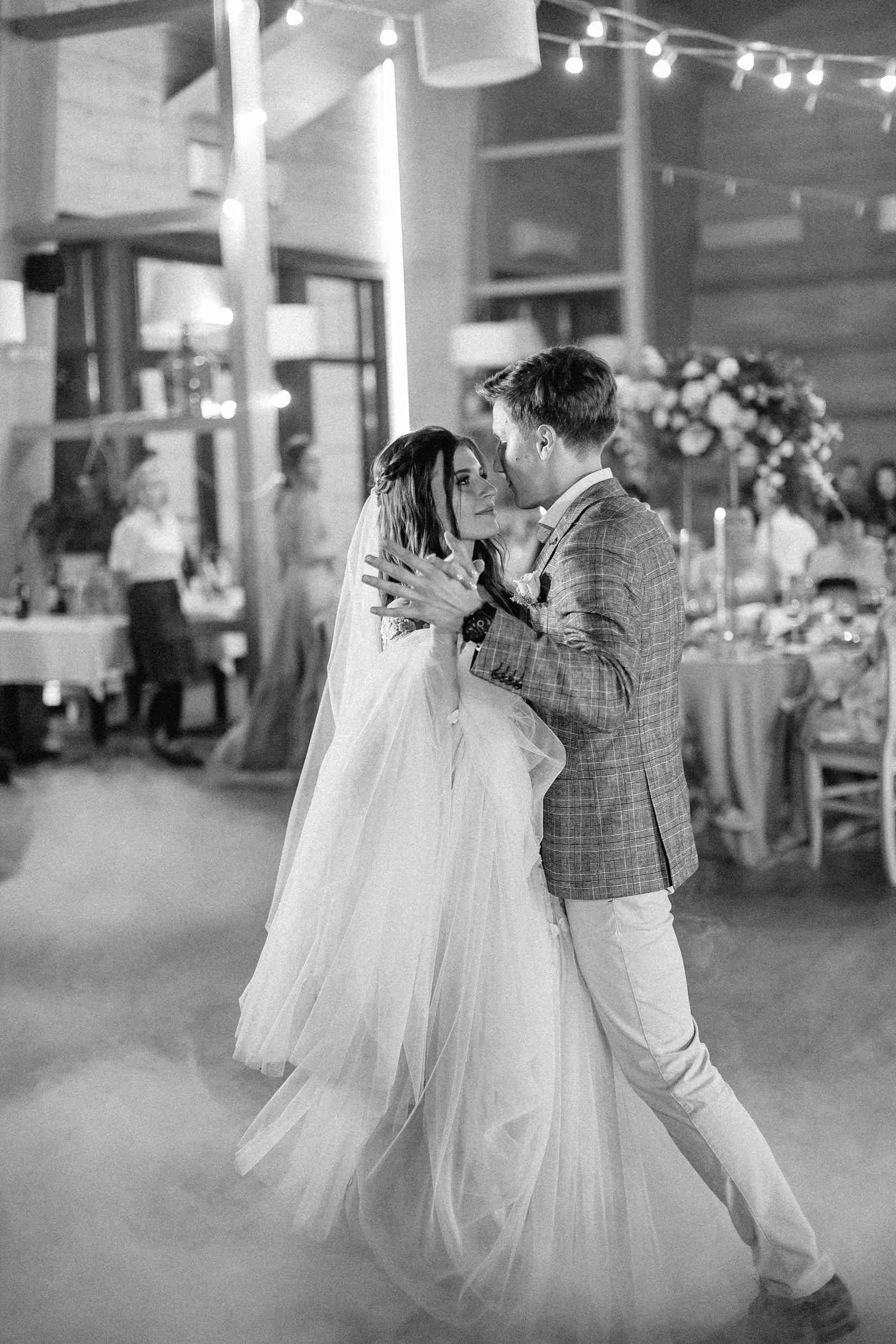 свадебный танец: постановочный или