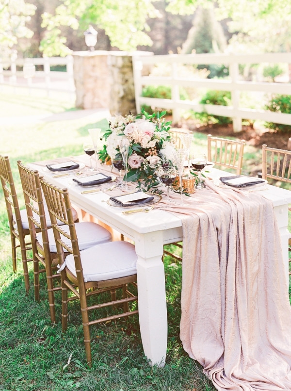 Розовый румянец - самый свадебный цвет, который никогда не выйдет из моды.