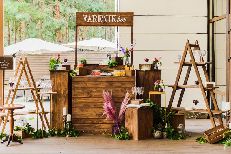 Вареник-бар (varenik-bar) на свадьбе с иностранными гостями. Интернациональніх гостей угощали варениками и украинскими наливками