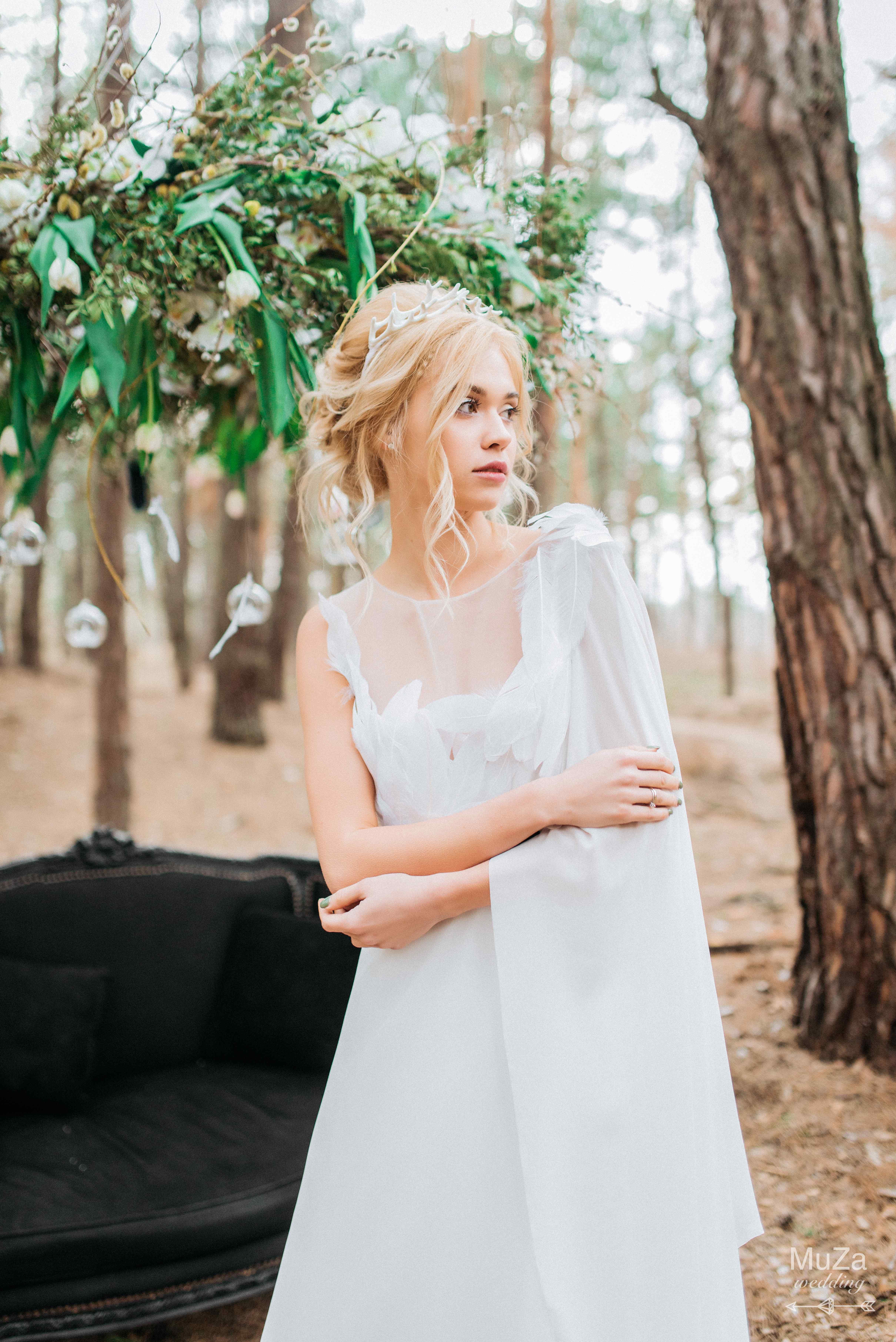 волшебная прозрачная неземная невест